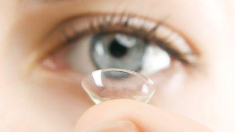 Saiba como cuidar das lentes de contato e evite problemas de saúde ocular