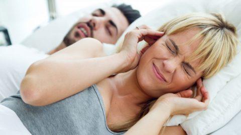 Ronco pode causar glaucoma? Entenda!