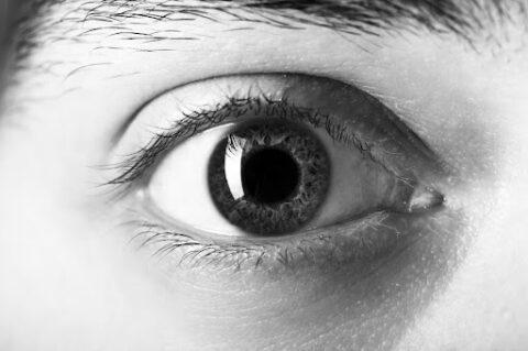 Pupila dilatada: por que acontece e quando se preocupar